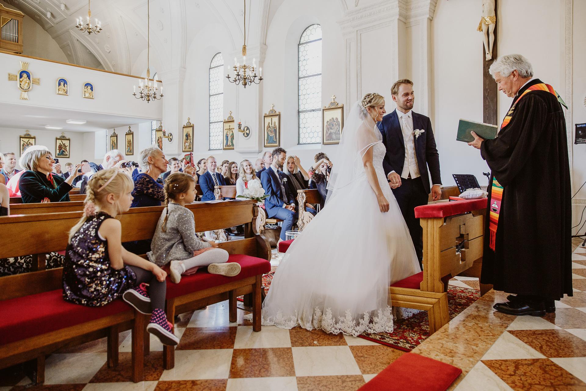 Alexander Utz, Fotografie, Hochzeit, Augsburg, Brautkleid, Brautstrauss-45