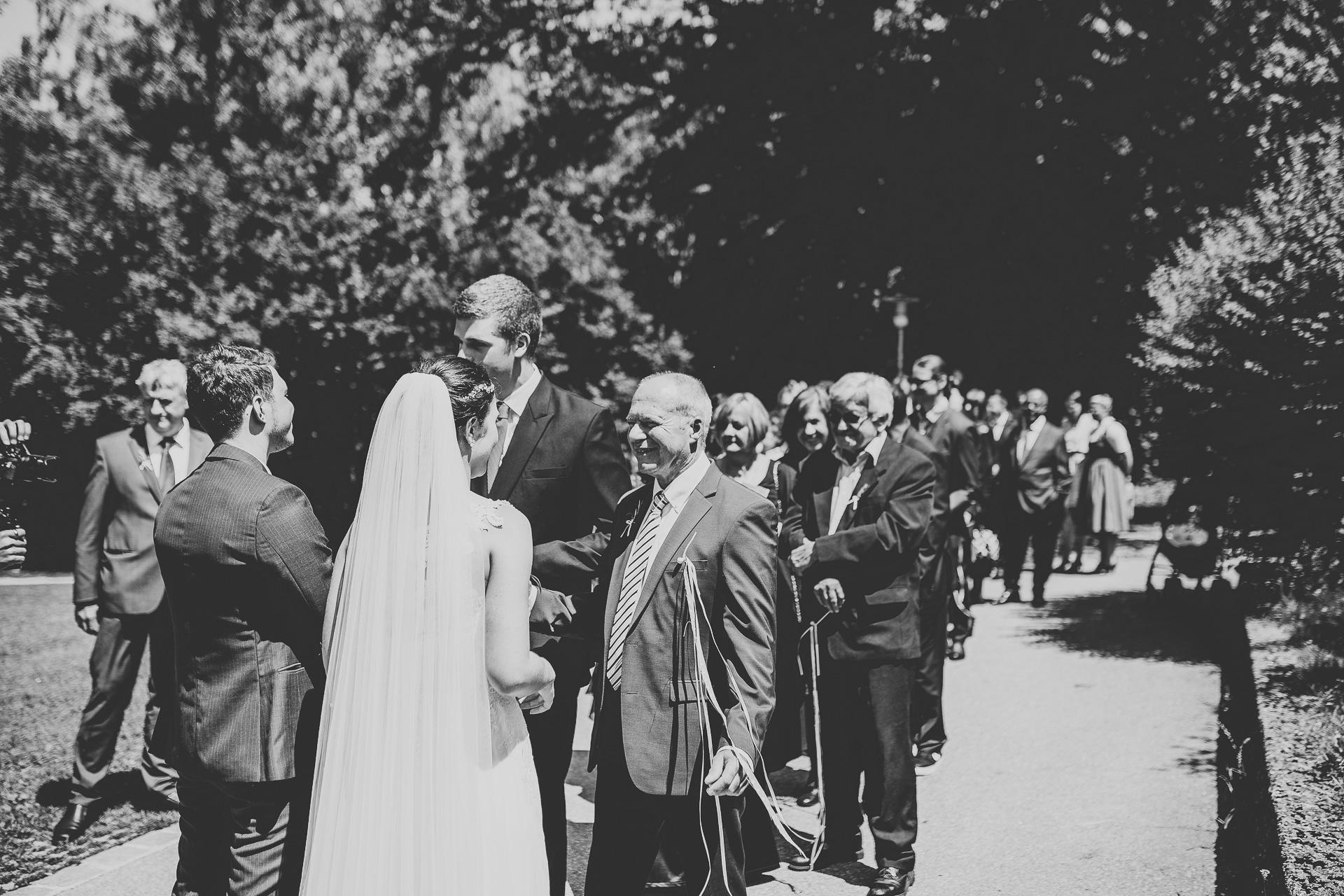 Alexander Utz, Fotografie, Hochzeit, Augsburg, Brautkleid, Brautstrauss-51