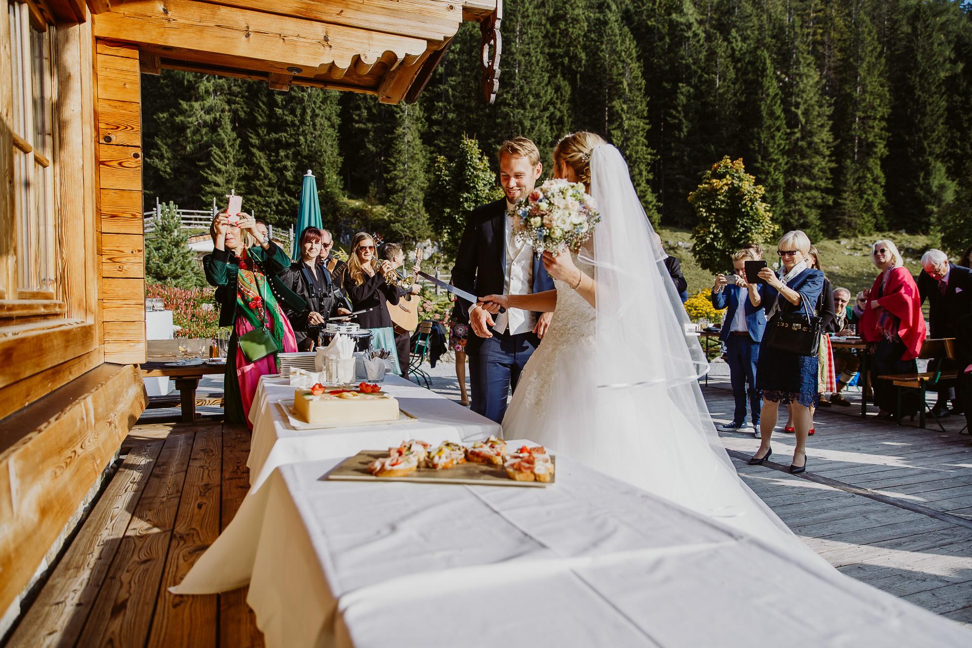 Alexander Utz, Fotografie, Hochzeit, Augsburg, Brautkleid, Brautstrauss-69