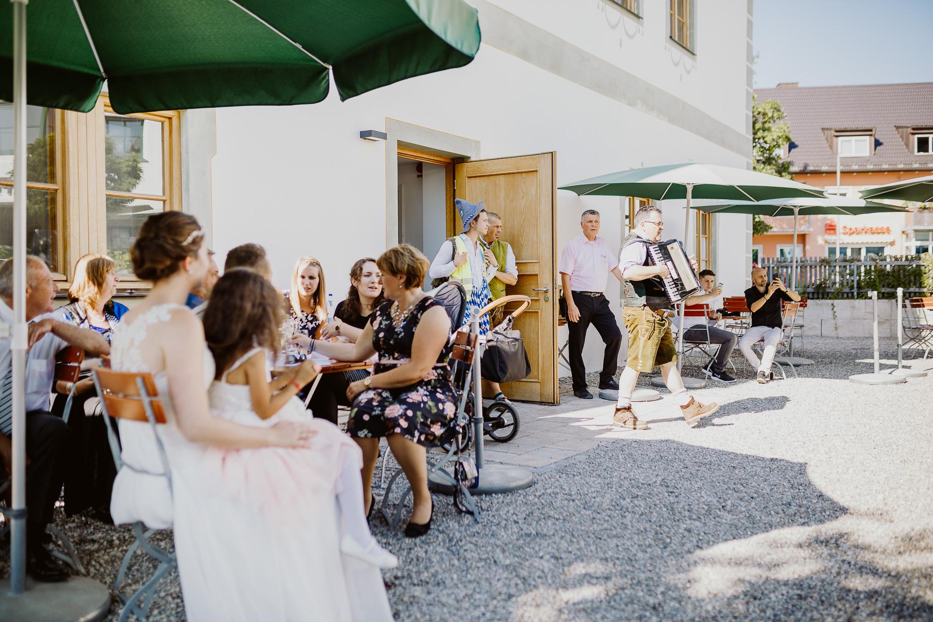 Alexander Utz, Fotografie, Hochzeit, Augsburg, Brautkleid, Brautstrauss-73