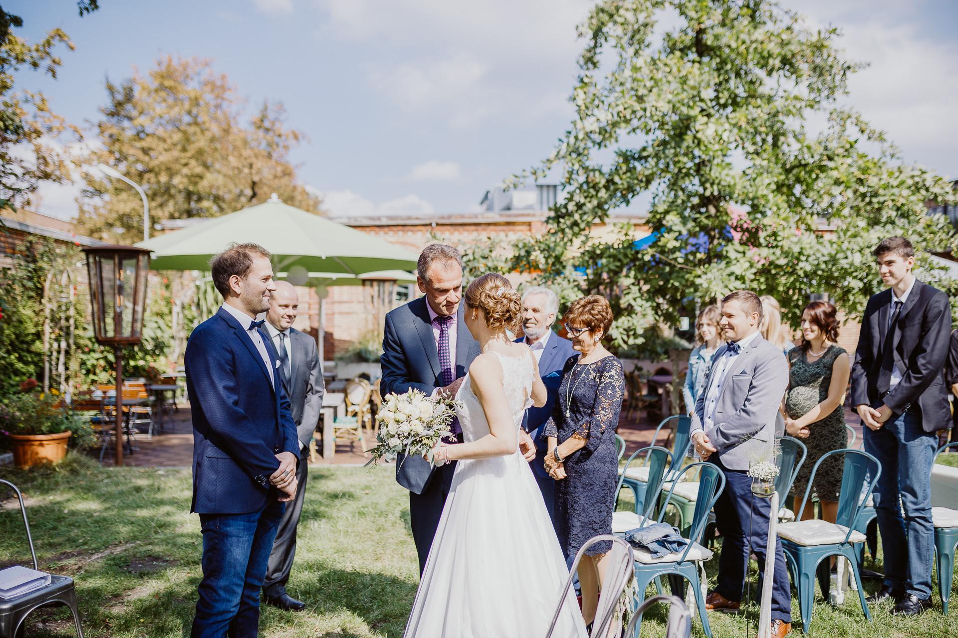 Alexander Utz, Fotografie, Hochzeit, Augsburg, Brautkleid, Brautstrauss-105