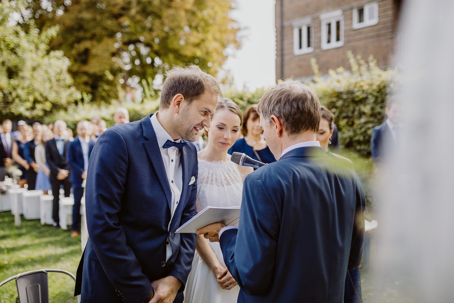 Alexander Utz, Fotografie, Hochzeit, Augsburg, Brautkleid, Brautstrauss-116