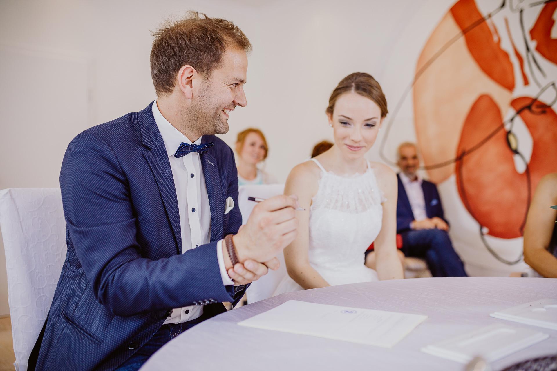 Alexander Utz, Fotografie, Hochzeit, Augsburg, Brautkleid, Brautstrauss-56